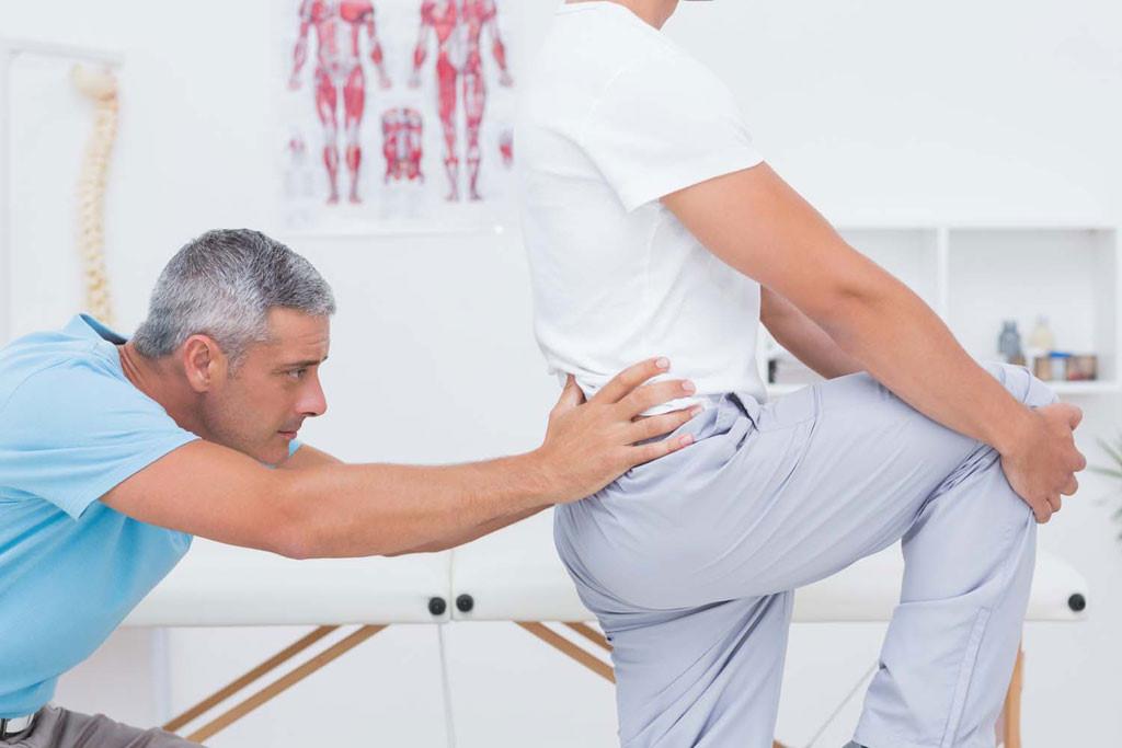 Hướng dẫn cách massage cho người bị đau lưng bên phải