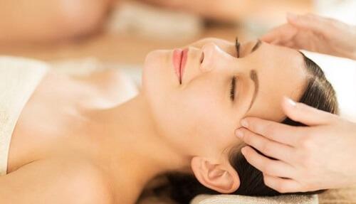 Nguyên Nhân Triệu ChứngĐau Đầu Và Cách Massage Giảm Đau Hiệu Quả