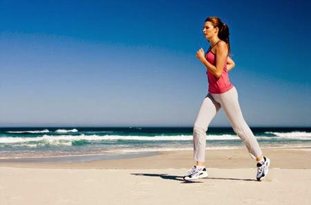 Đi bộ thường xuyện giúp bạn giảm cân hiệu quả
