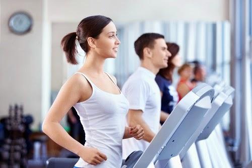 Phương pháp giảm cân bằng máy tập chạy bộ.