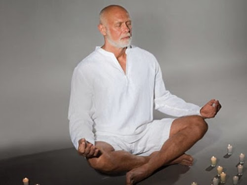 4 bài tập yoga thích hợp cho người cao tuổi